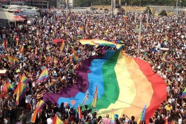 turkiye-de-gay-olmak