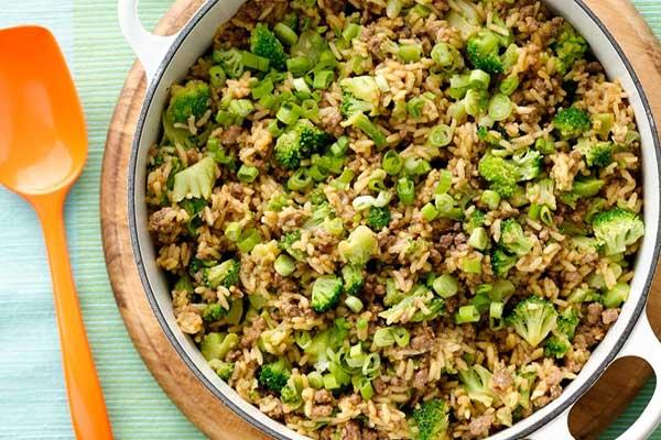 brokoli-ve-kiymali-yemek