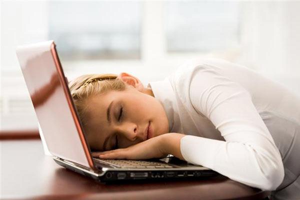 Sürekli Yorgun Olmanızın 14 Nedeni