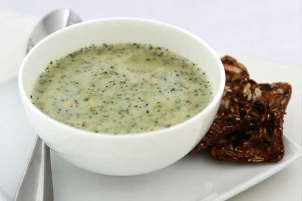 kremasiz-brokoli-corbasi