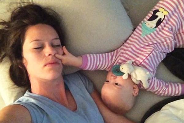 bebek-annesini-uyutmuyor