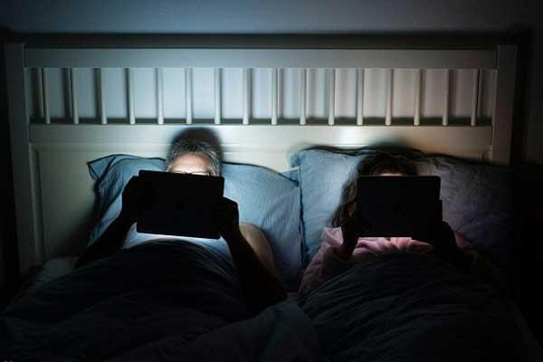 ipad-yatakta-uyku-kaciriyor