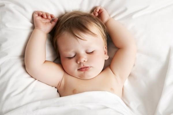 bebeklerin-uyumasi