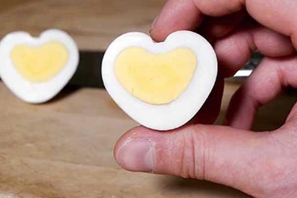 kalp-seklinde-haslanmis-yumurta