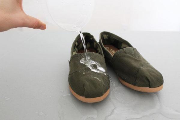 su-gecirmez-ayakkabi