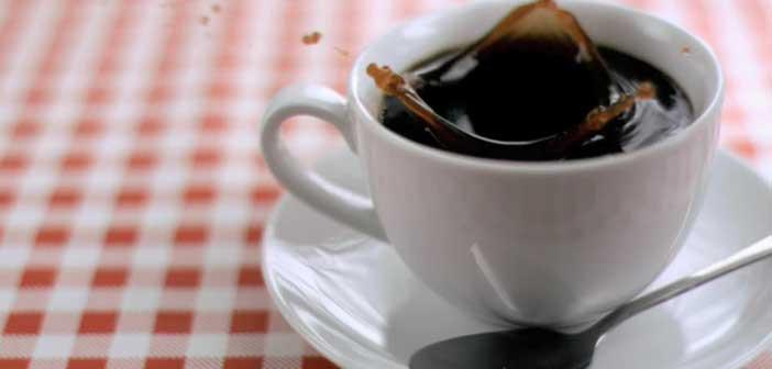 kahve-lekesi-nasil-cikar